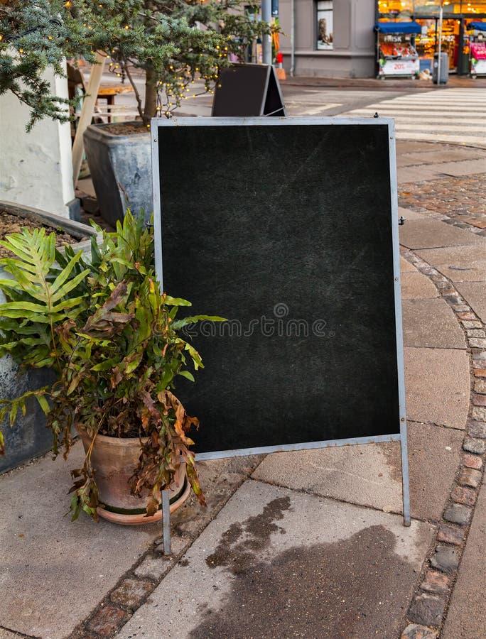 Leeg straatbord royalty-vrije stock afbeeldingen