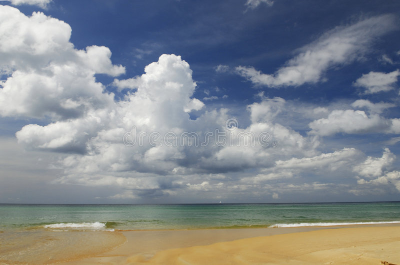 Leeg strand in Thailand stock foto