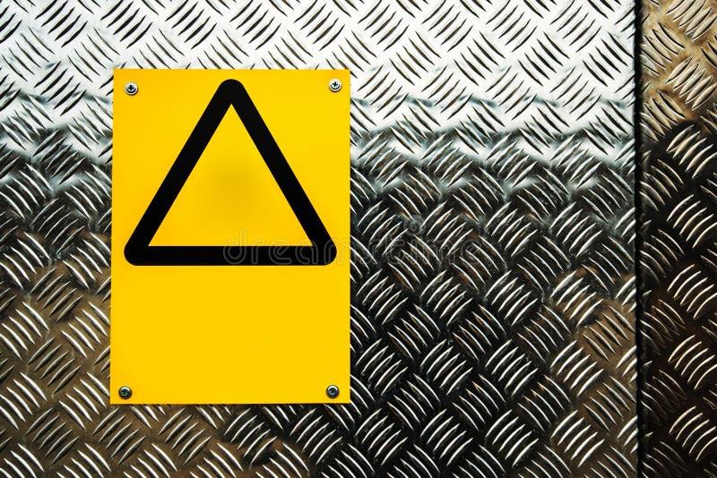 Leeg waarschuwingsbord op bouwwerf royalty-vrije stock foto