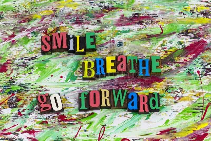Leendet andas går framåtriktat arkivbilder