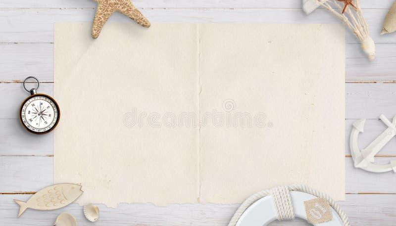 Leere alte Papierkarte umgeben durch Kompass, Oberteile, Anker, seastar stockfotografie
