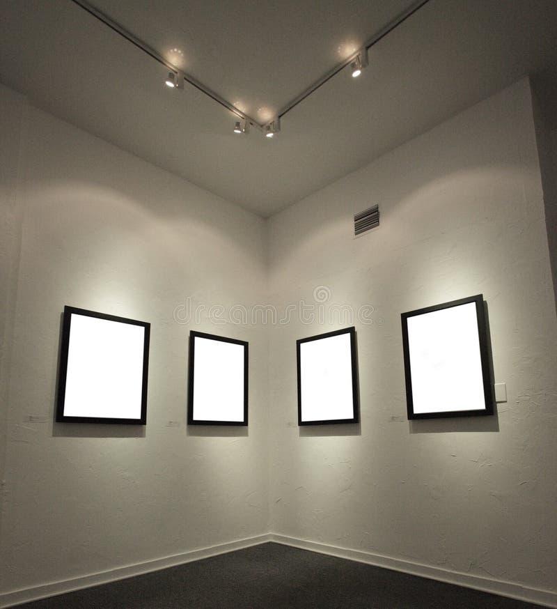 Leere Bilderrahmen Auf Der Wand Stockfoto - Bild von leuchten, leer ...