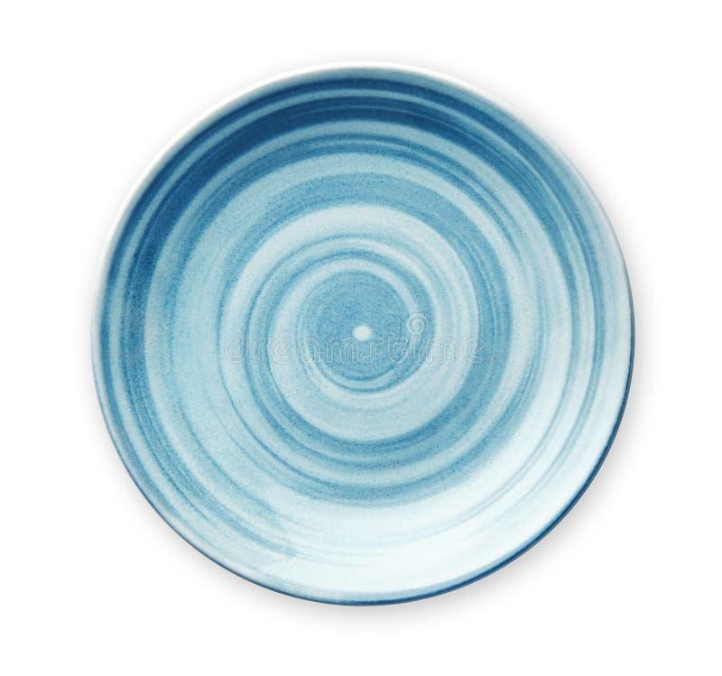Leere blaue keramische Platte mit dem gewundenen Muster in den Aquarellarten, Ansicht von oben lokalisiert auf weißem Hintergrund lizenzfreies stockfoto
