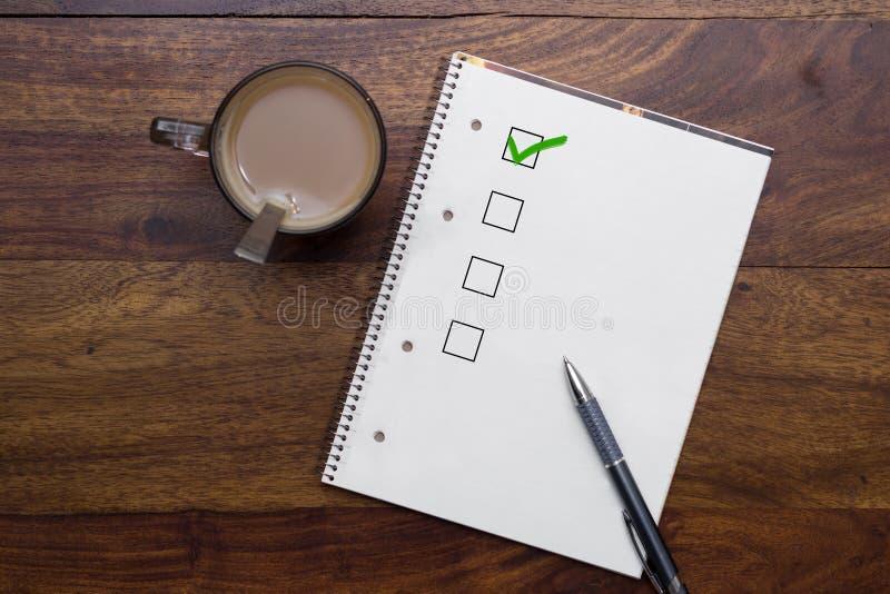 Leere Checkliste stockbild