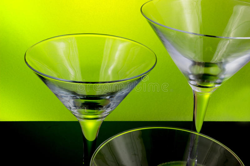 Leere Cocktailgläser stockfoto