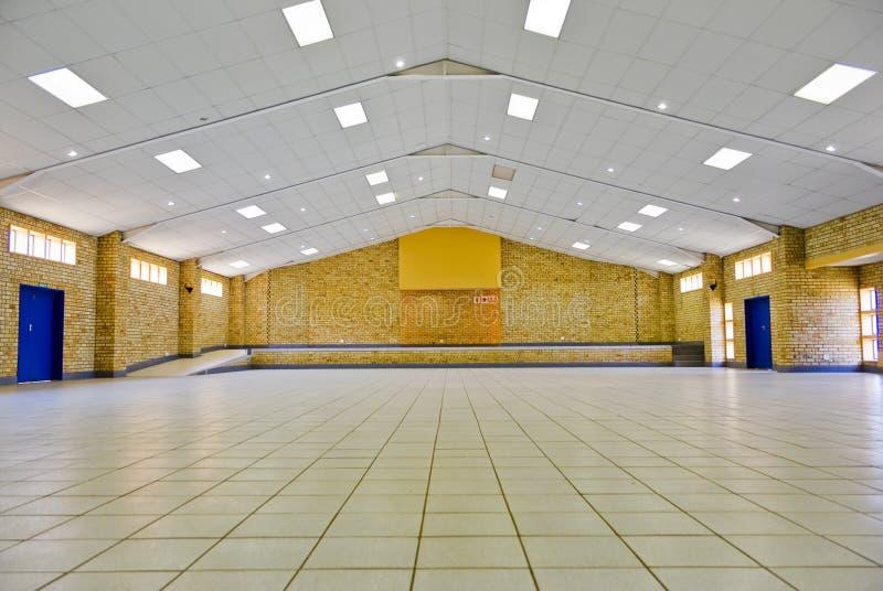 Leere Gemeinschaft Hall für Miete stockfotos