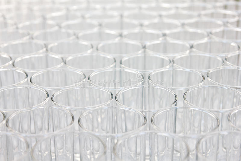 Leere Gläser bereit zum Gebrauch lizenzfreie stockfotografie