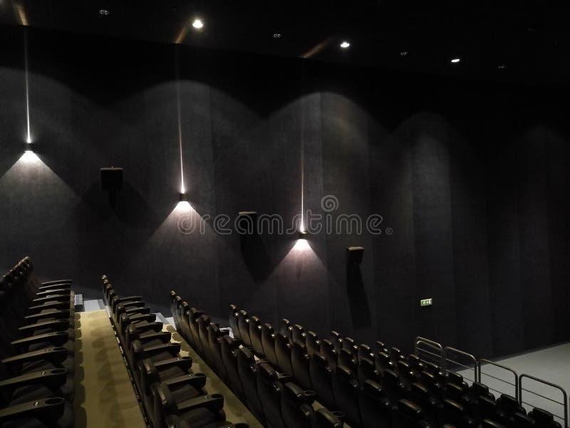 Leere Halle des Films stockbild