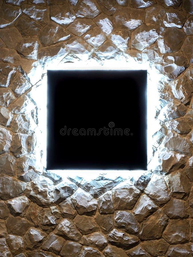 Leere Lichter der Anschlagtafel LED versteckt auf Steinwand stockbild