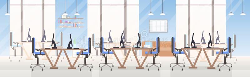 Leere Menschen öffnen Raum kreative Arbeitsstätten-Arbeitsplatz-Schreibtische mit Computer-Monitoren moderne Büroausstattung Wohn lizenzfreie abbildung
