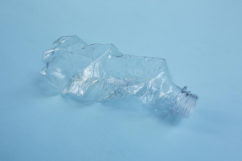 Leere Plastikflasche lizenzfreies stockfoto