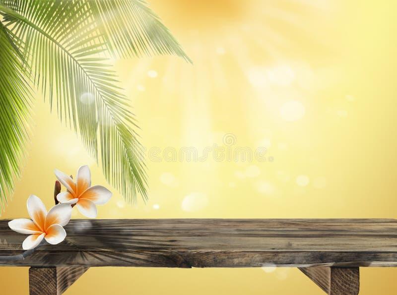 Leere rustikale Tischplatte des freien Raumes auf sommerlichem unscharfem Hintergrund mit Palmen und unscharfem bokeh lizenzfreie stockfotografie