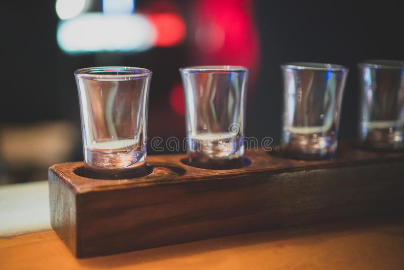 Leere Schuss-Gläser stockfoto