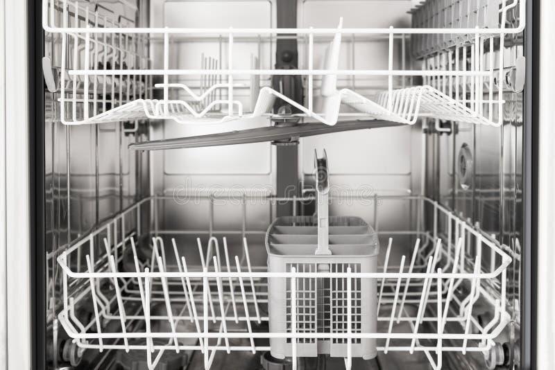 Leere Spülmaschine lizenzfreies stockfoto