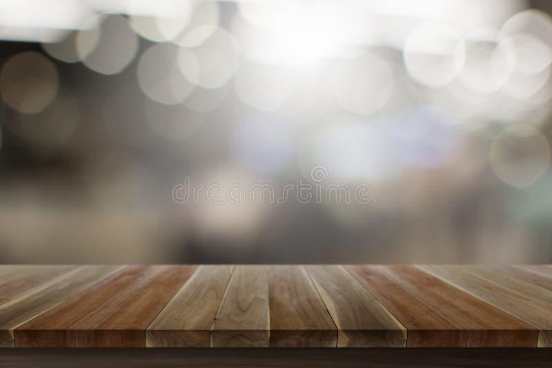 Leere Spitzenholztischholzfußbodenbraun-Farbbeschaffenheit mit weißer defekter Ansicht über Hintergrund lizenzfreie stockfotografie