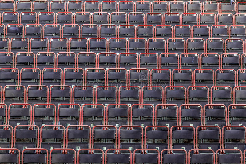 Leere Stühle im Theater stockfotografie