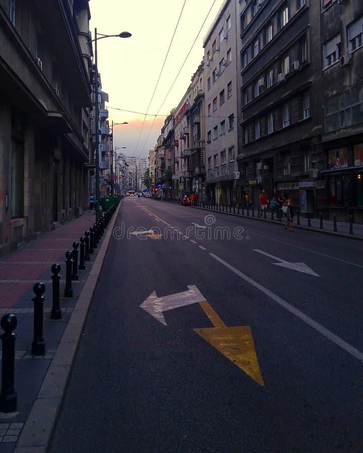Leere Stadt-Straße stockbild