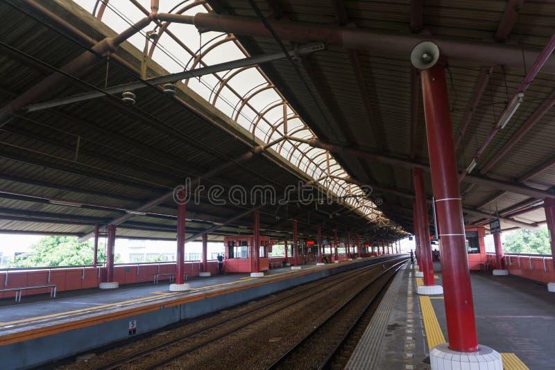 Leere Station mit vielen Plattformen Foto eingelassenes Jakarta Indonesien lizenzfreie stockfotos