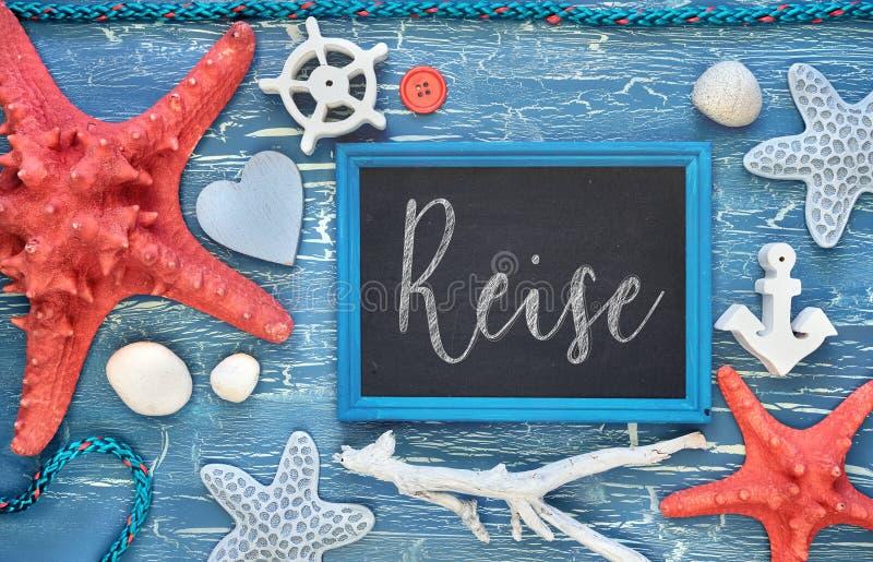 Leere Tafel mit Seeoberteilen, Steine, Seil und Stern fischen an stockfotografie