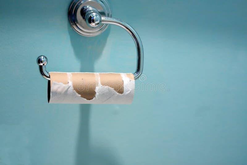 Leere Toilettenpapierrolle stockbild
