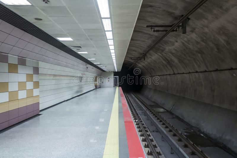 Leere U-Bahnstation in Istanbul stockfotos
