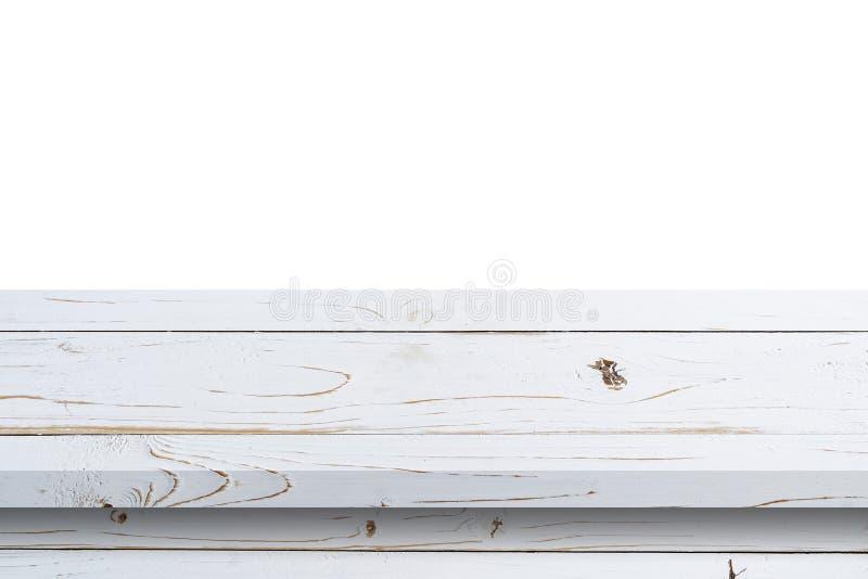 Leere weiße hölzerne Tabelle auf weißem Hintergrund des Isolats und Anzeigenmontage mit Kopienraum für Produkt stockbilder