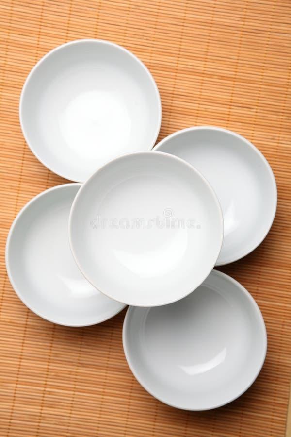 Leere weiße Suppe-Schüsseln lizenzfreie stockfotografie