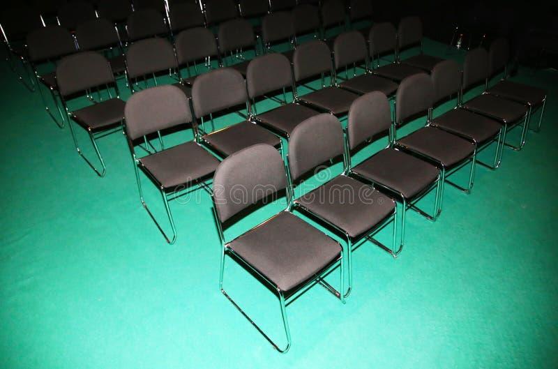 Leeren Sie Pressekonferenzsaal von oben lizenzfreies stockfoto