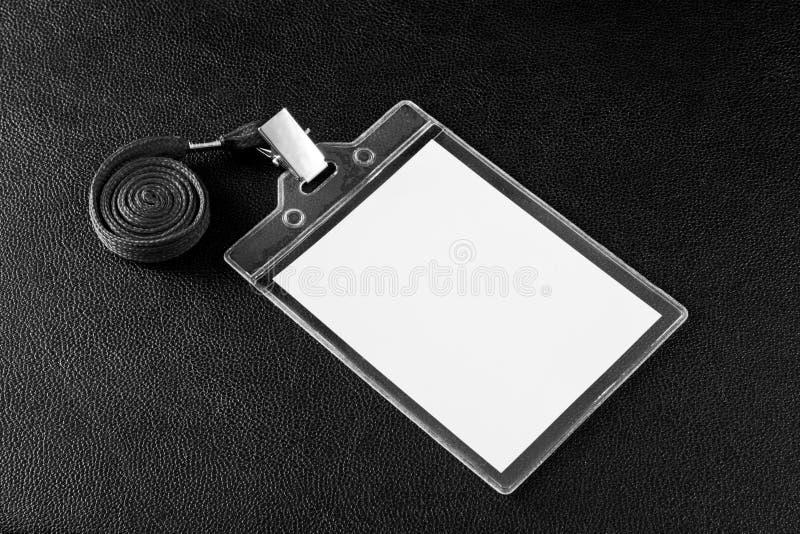 Leerer Ausweis mit Halsband stockfotografie