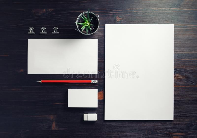 Leerer Briefpapier-Satz lizenzfreie stockfotografie