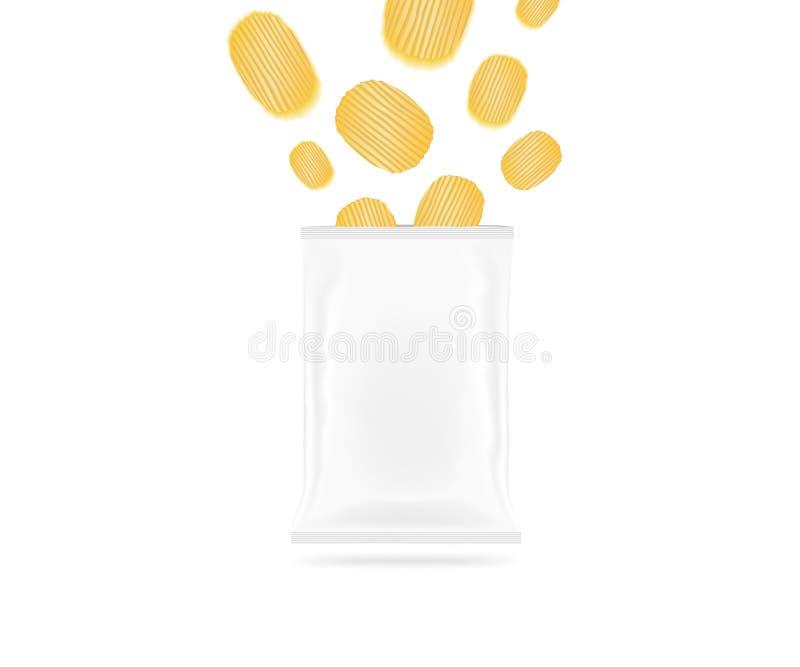 Leerer Chiptaschenspott oben lokalisiert Klarer weißer Kartoffelchipsatz m lizenzfreie stockfotografie