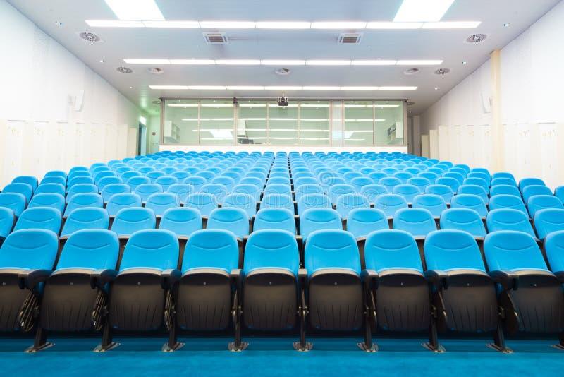 Leerer Konferenzsaal lizenzfreie stockbilder