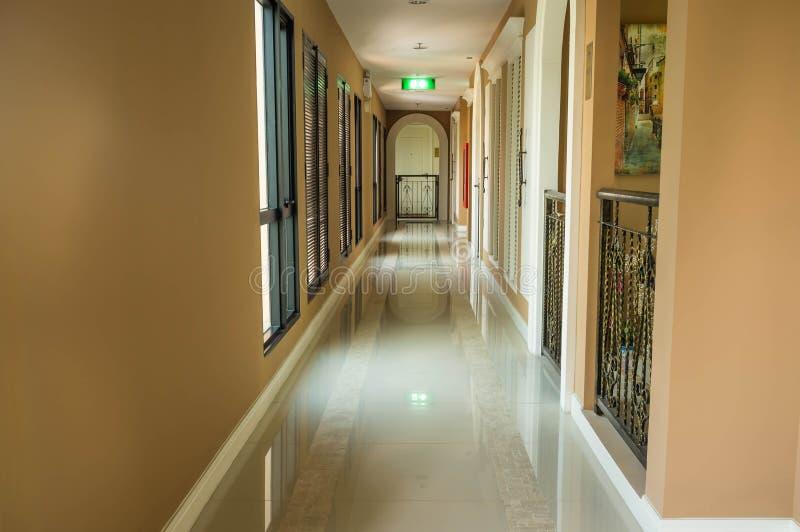 Leerer Korridor lizenzfreie stockfotografie