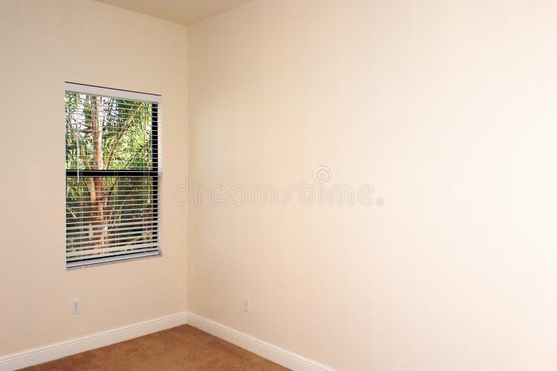 Leerer Raum mit Fenster stockbilder