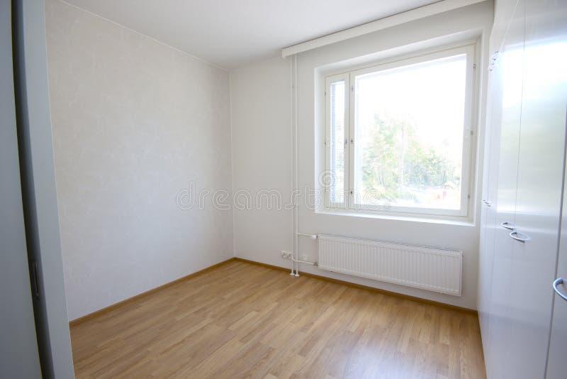 Leerer Raum mit Fenster lizenzfreies stockfoto