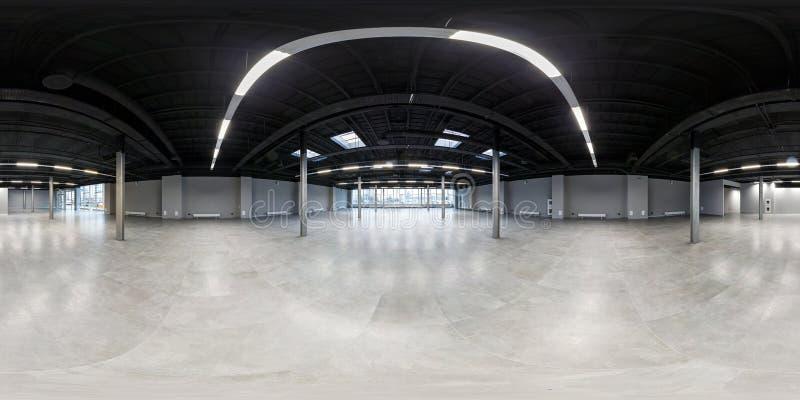 Leerer Raum ohne Reparatur volles nahtloses kugelförmiges hdri Panorama 360 Grad im Innenraum des weißen Dachbodenraumes für Büro lizenzfreie stockfotografie