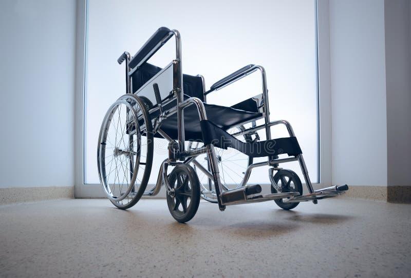 Leerer Rollstuhl stockfotos