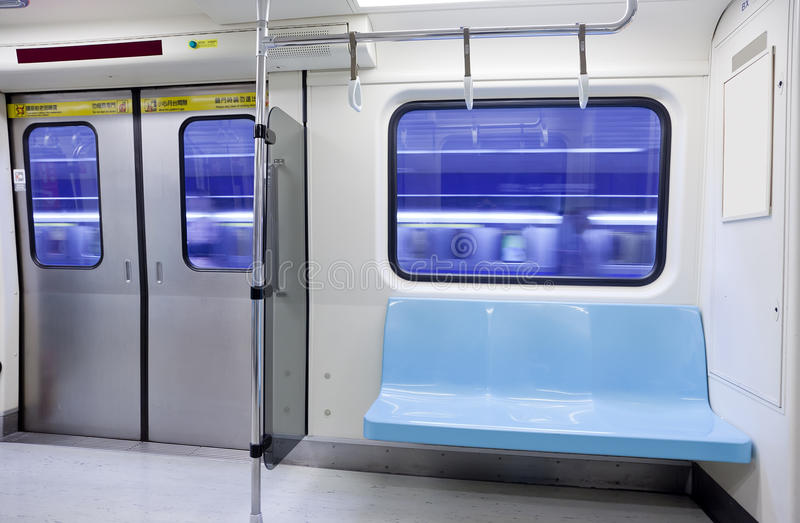 Leerer Sitz der Untergrundbahn stockfoto