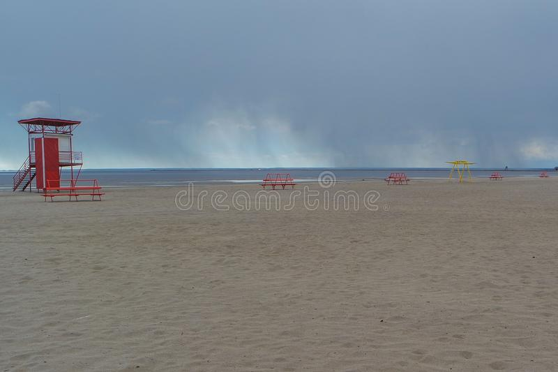 Leerer Strand in Estland stockbilder