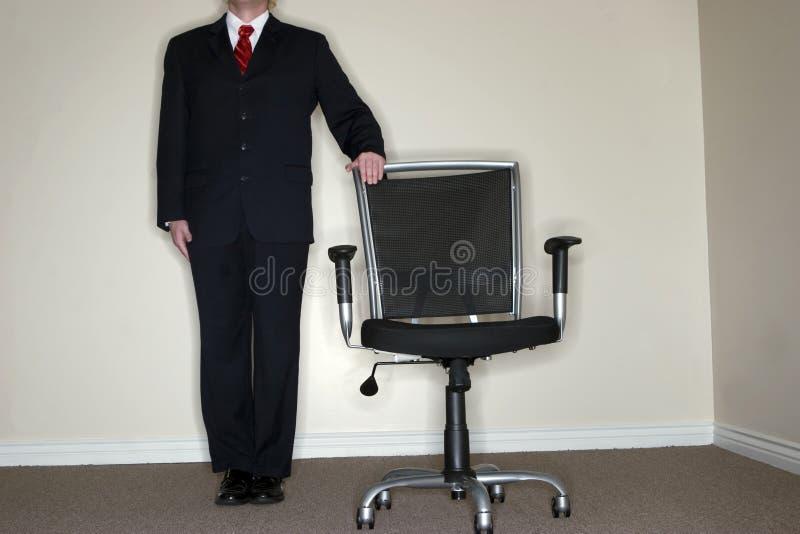 Leerer Stuhl des Geschäftsmannes lizenzfreie stockfotografie