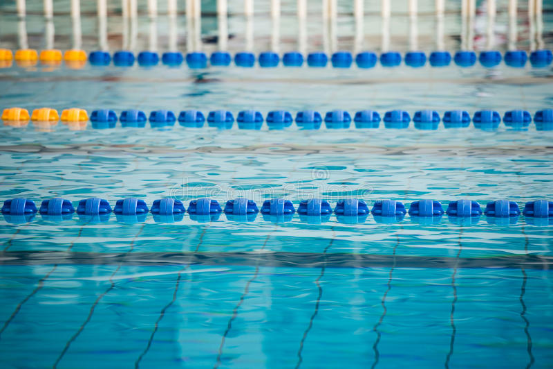 Leerer Swimmingpool lizenzfreies stockbild