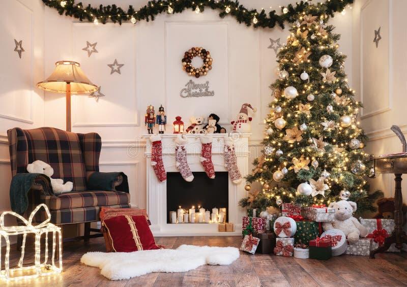 Leerer Weihnachtsraum mit Kopienraum stockbilder