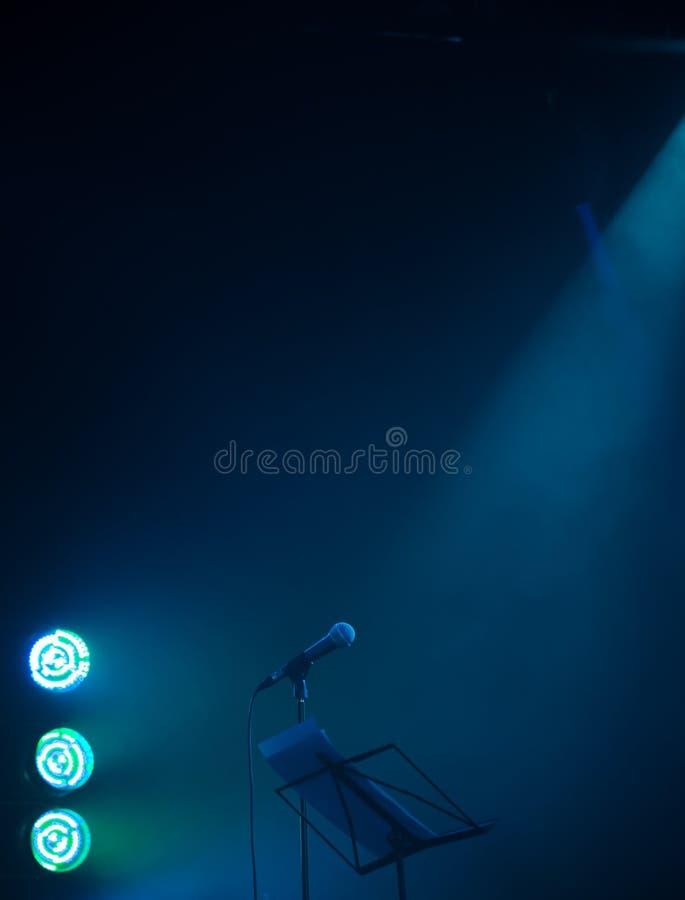 Leeres Musikstadiumshintergrundfoto stockfotografie