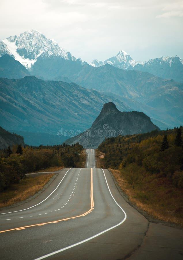 Leeuw` s Hoofd, een beroemde berg in Alaska stock afbeelding