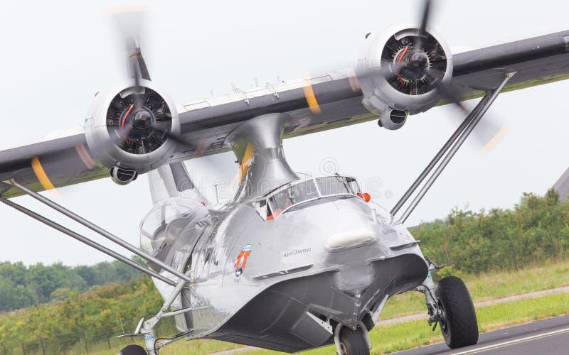 LEEUWARDEN, holandie - CZERWIEC 11: Konsolidujący PBY Catalina wewnątrz zdjęcia stock