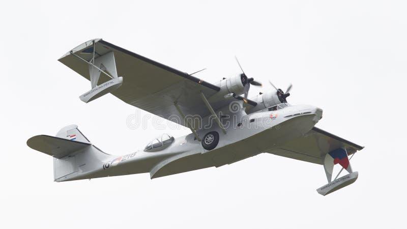 LEEUWARDEN, holandie - CZERWIEC 11: Konsolidujący PBY Catalina wewnątrz fotografia stock