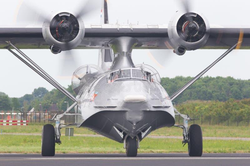 LEEUWARDEN, holandie - CZERWIEC 11: Konsolidujący PBY Catalina wewnątrz obrazy stock