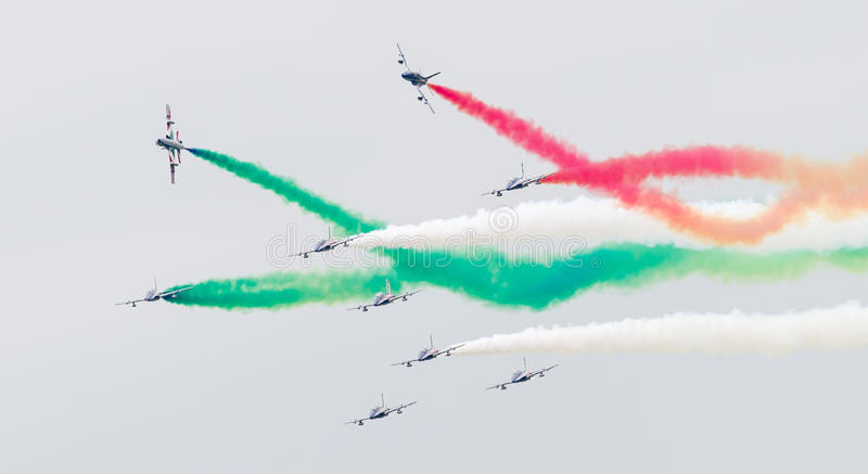 LEEUWARDEN, 11 NEDERLAND-JUNI, 2016: Italiaanse aerobatic thee stock fotografie