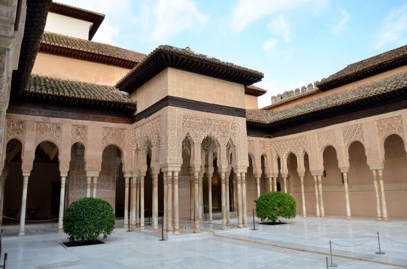 Leeuwenterras in Alhambra, Granada, Spanje stock afbeeldingen