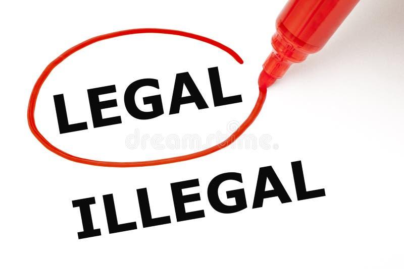 Legal oder illegal mit roter Markierung stockfoto
